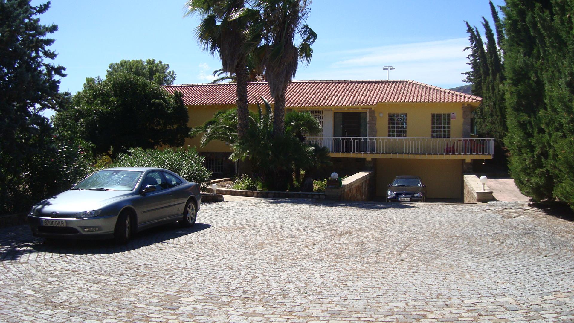 Villa Bernardo