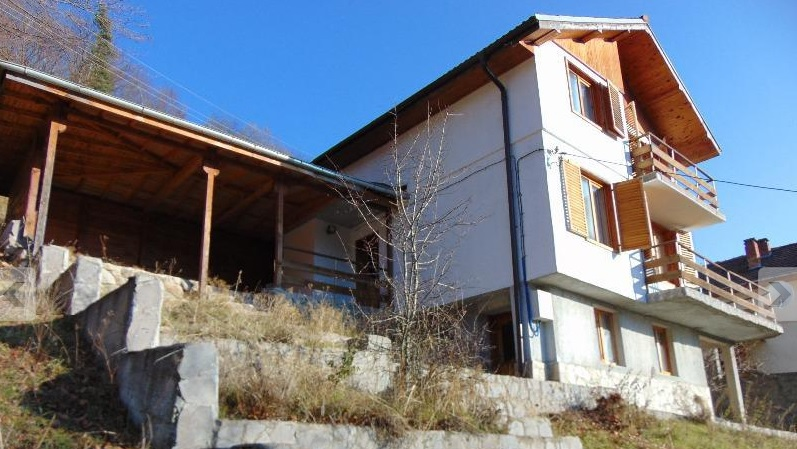 House For Sale in Slaveyno Smolyan Bulgaria