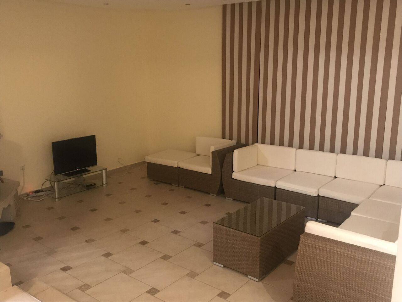 1533292998-sell-property-apartment_for_sale_in_tala_riviera_complex_paphos_34.jpeg