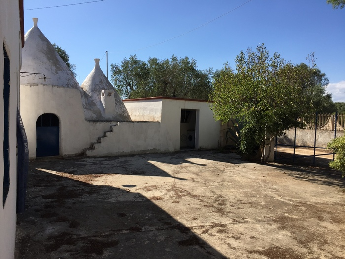 House for Sale on plot of land in Francavilla Fontana Italy