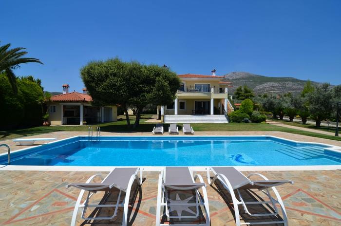 Stunning nine bedroom estate for sale in Eretria Greece