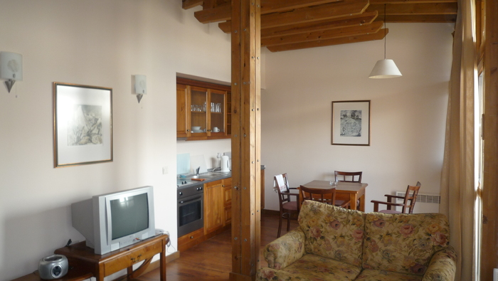 1539353084-sell-property-two_bedroom_apartment_for_sale_in_razlog_bulgaria_3_.JPG