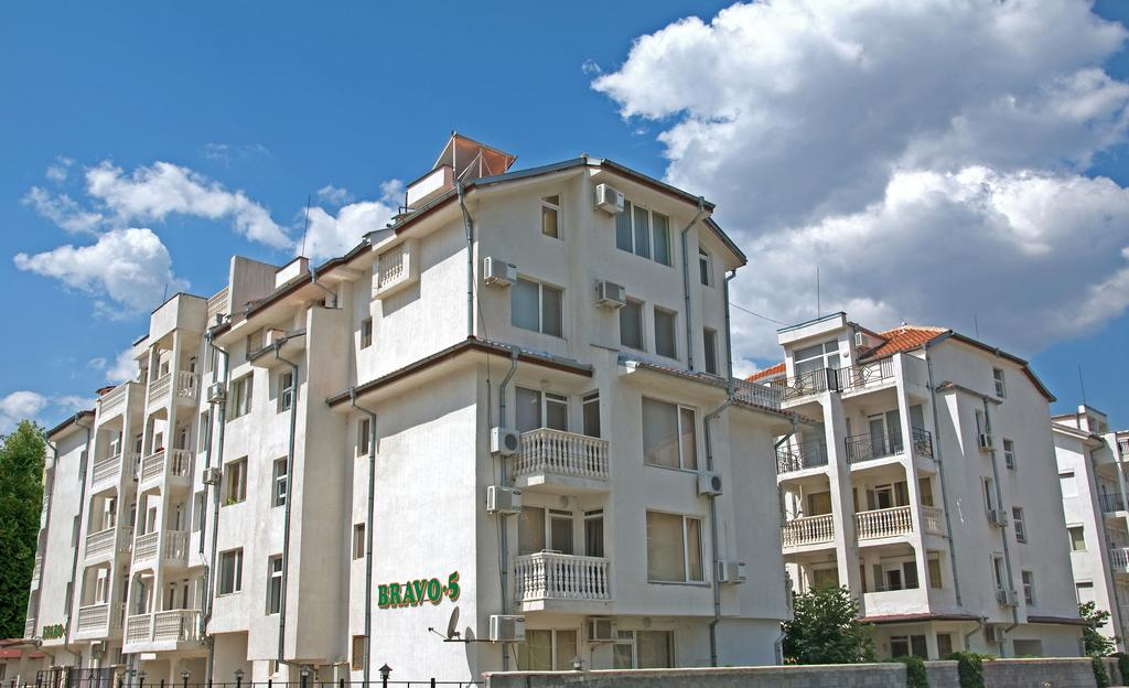 1542107119-sell-property-apartment_for_sale_in_bravo_5_complex_bulgaria_3.jpg
