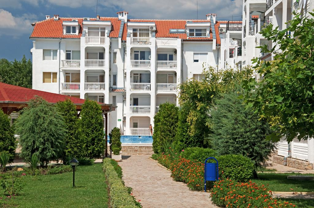 1542107120-sell-property-apartment_for_sale_in_bravo_5_complex_bulgaria_4.jpg