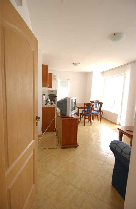 1542107265-sell-property-apartment_for_sale_bravo_5_complex_bulgaria_13_.jpg