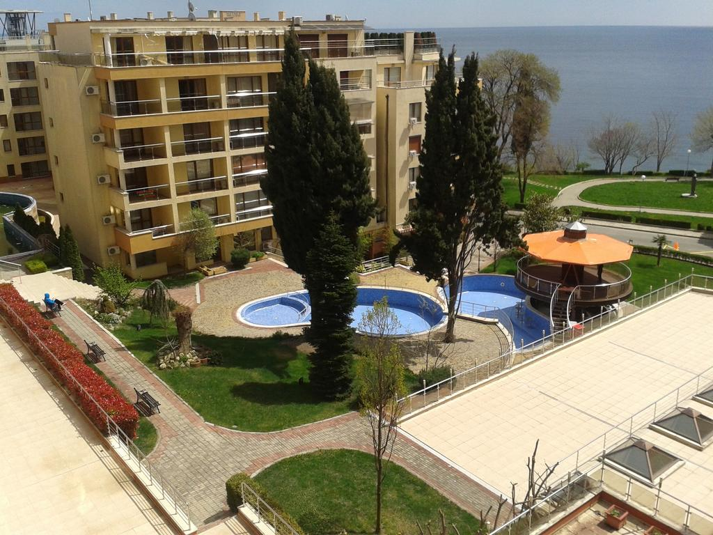 1548065675-sell-property-studio_apartment_for_sale_in_panoroma_beach_bulgaria_3.jpg