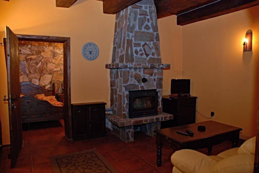 1552563764-sell-property-46812585.jpg