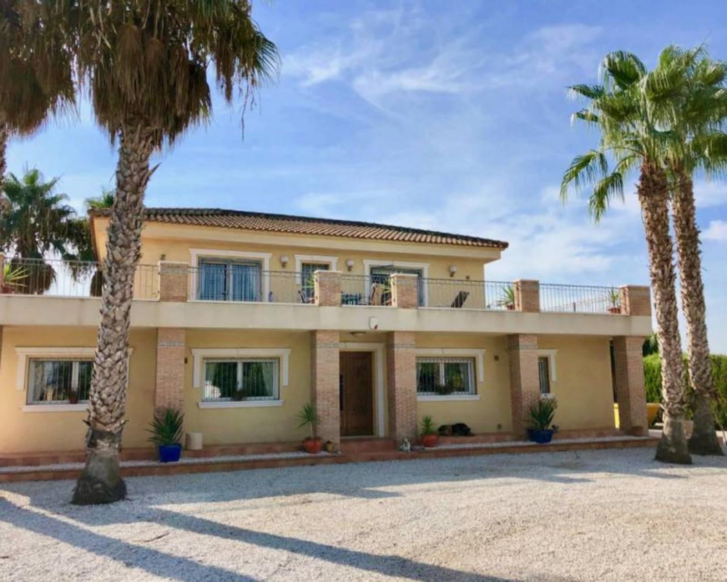 Villa for sale in Almoradi Alicante