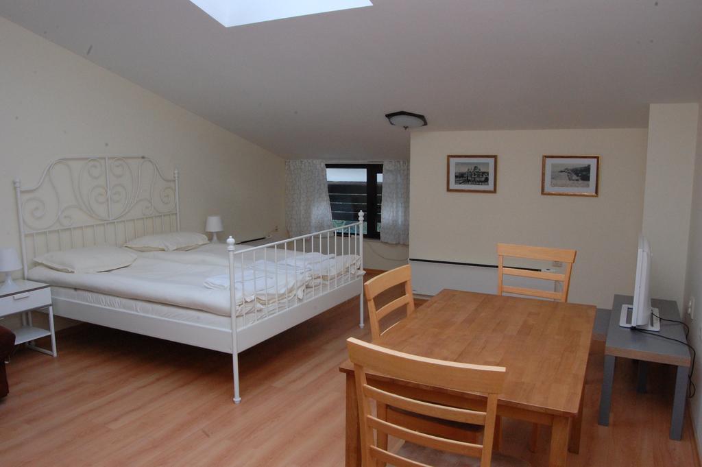 1569345223-sell-property-85675966.jpg
