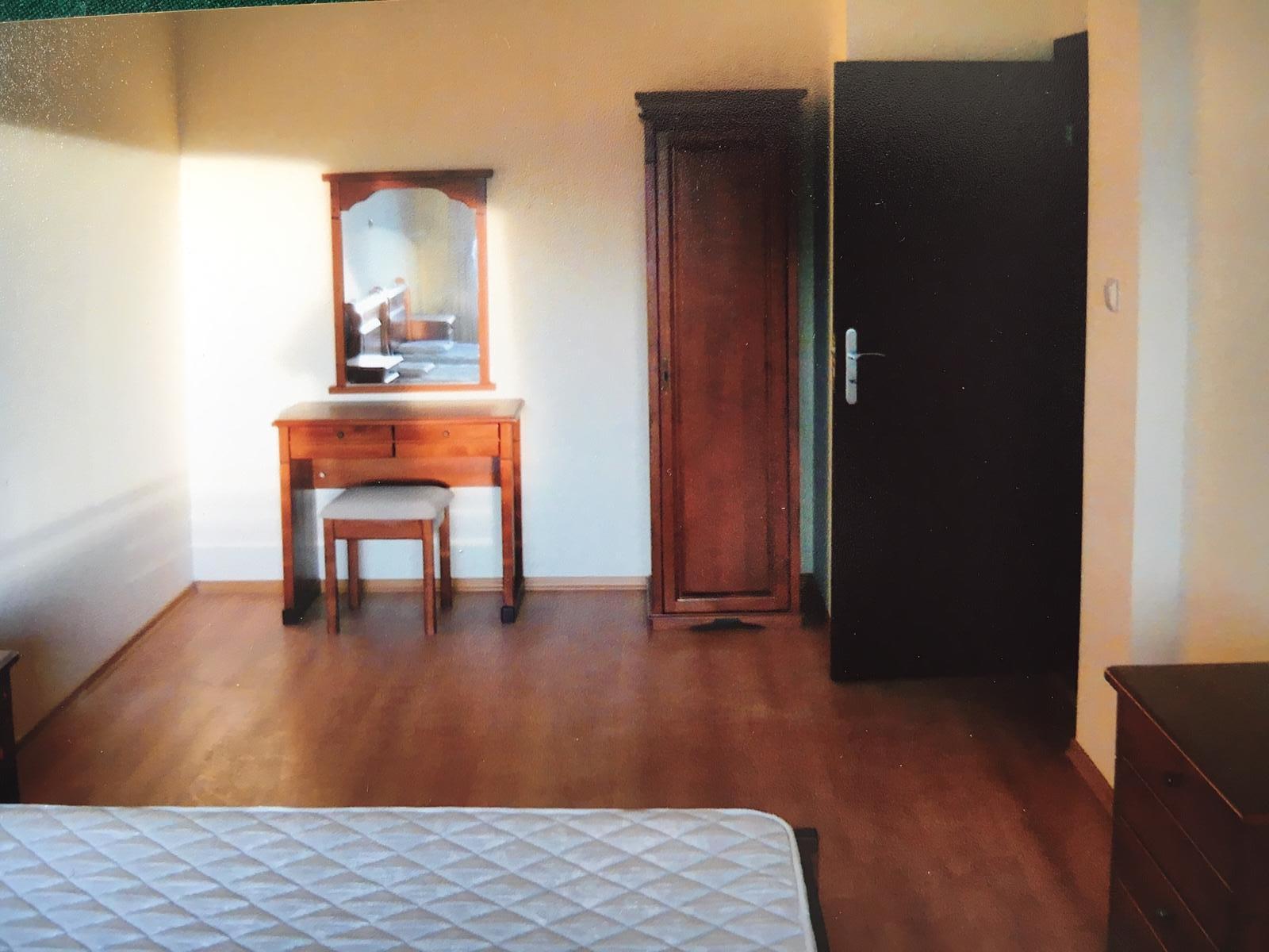 1569506669-sell-property-0a79ffa2-21d9-42c9-8866-459bf0707476.jpg