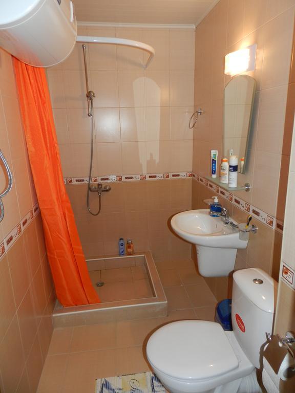 1570459666-sell-property-122038989.jpg