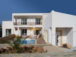 Villa at Arrifana