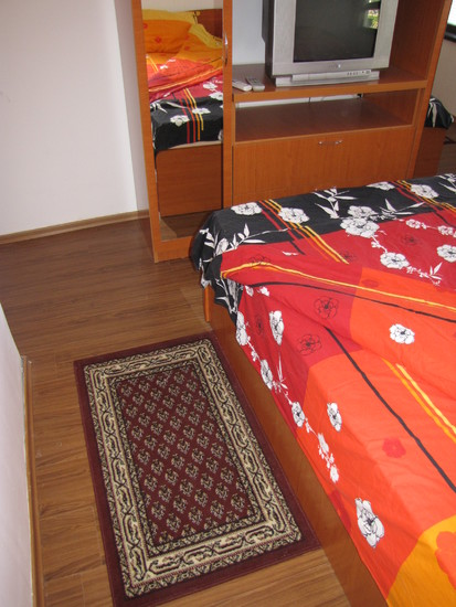 1573117024-sell-property-master_bedroom_5.JPG