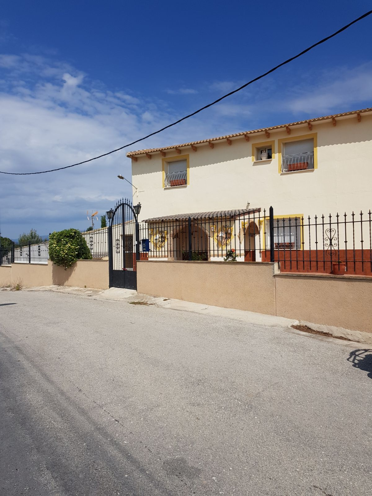 Large Detached Villa for sale