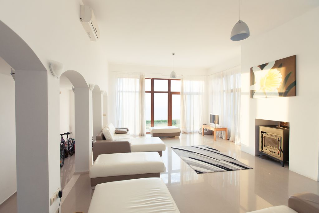1581899773-sell-property-dd80cfbc-4418-4f9d-9f41-4ed18b6c136c.jpg
