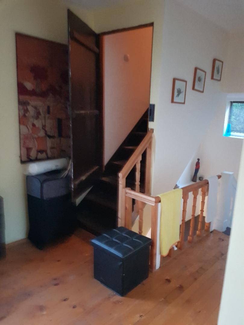 1602010993-sell-property-wh_upstair_leading_to_attic.jpg