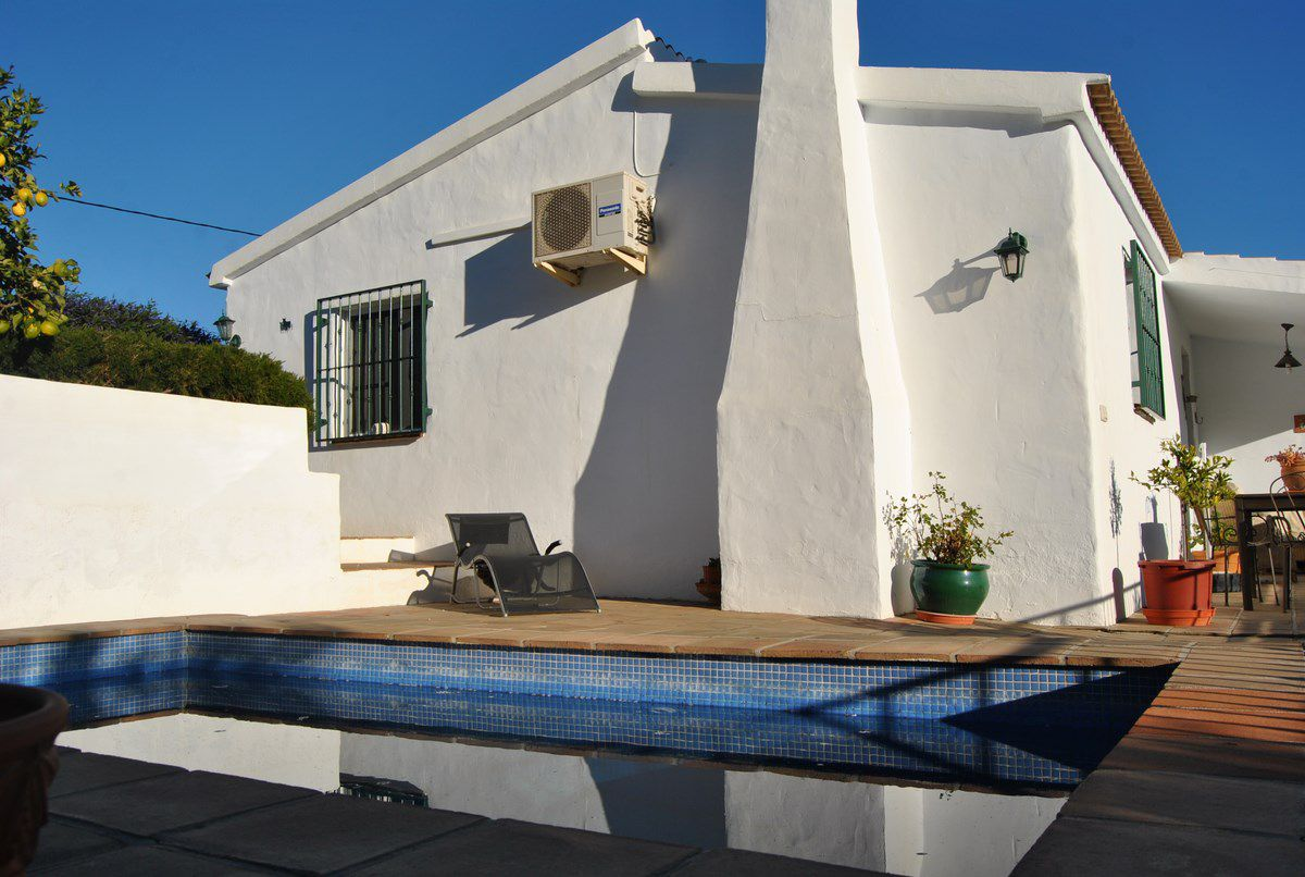 Country House For Sale in Corumbela Malaga