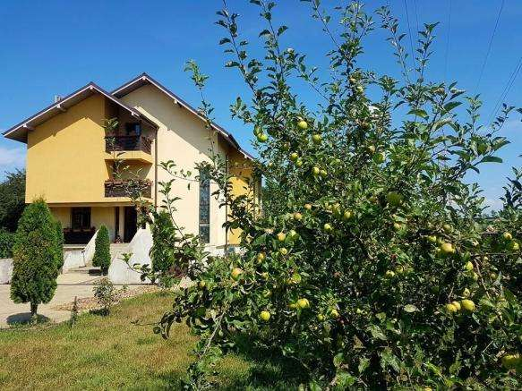 Property for Sale, Romania, Bucovina, Suceava, Villa & Land 20148