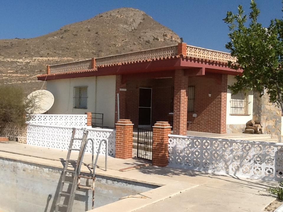 Villa for Sale in Alicante