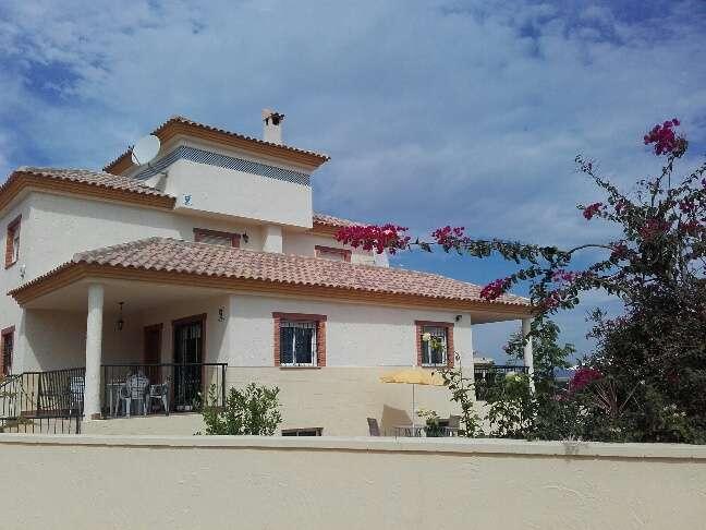 3 Bed Villa & Pool for Sale in Cabuzana