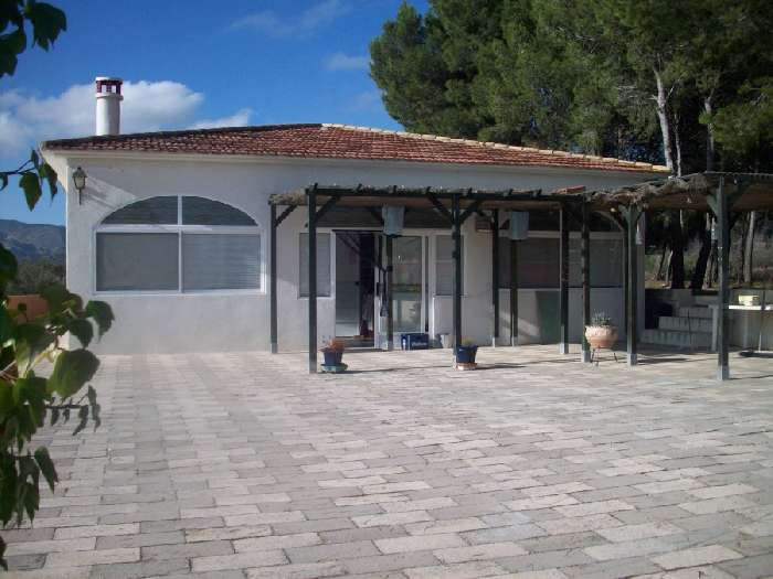 Private Villa, Guesthouse & Land for Sale in Alicante