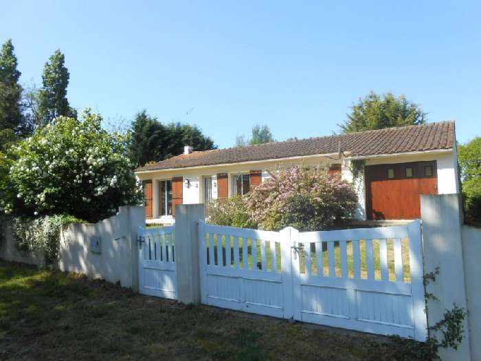 Property for Sale, France, Pays de la Loire, St. Maixent sur Vie, Bungalow 20095