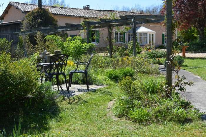 Property for Sale, France, Poitou Chartenes, Brossac, Stone Farmhouse 20128