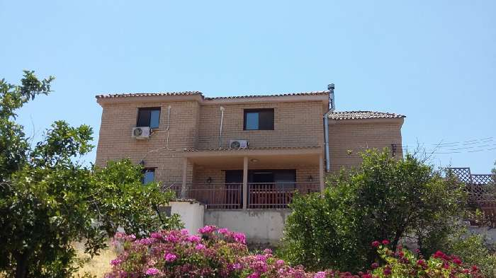 3 Bed Villa for Sale in Lefkosia