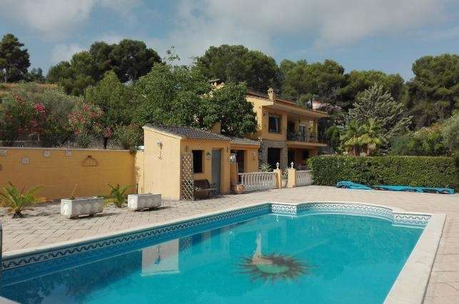 4 Bed Villa for Sale in Valencia