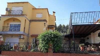 Private Villa & Apartment for Sale in Valencia