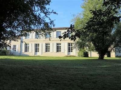 Maison de Maitre for Sale in Poitou Charentes